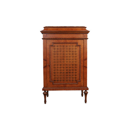 French Marquetry Chest with Natural Veneer Inlay