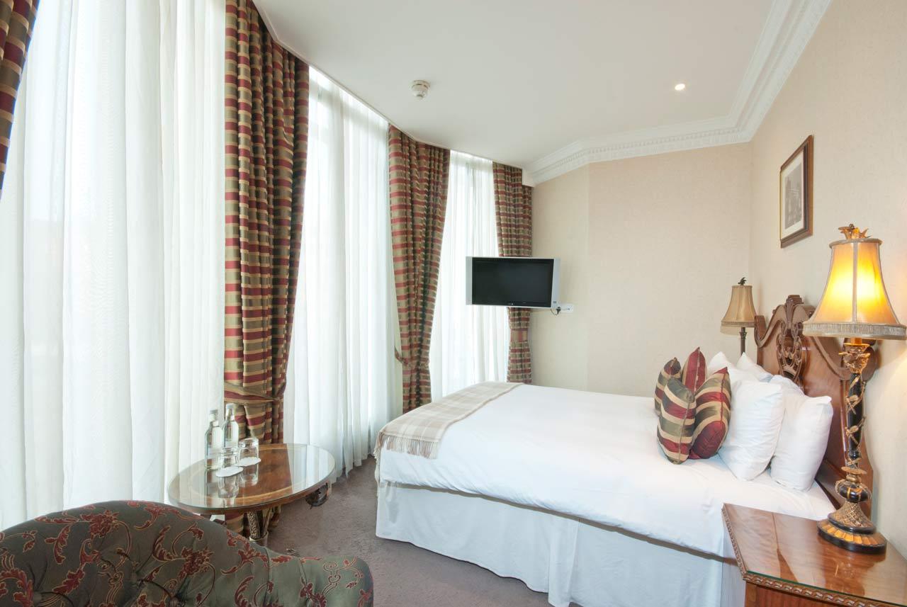 Ashburn Hotel Earls Court London 6