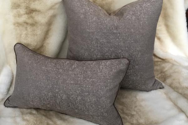alany-cushion-canvas