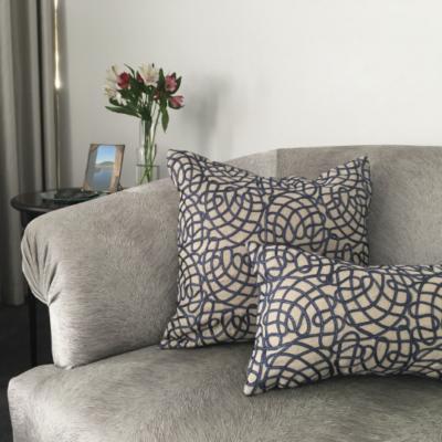 blue-waves-cushion-canvas-details