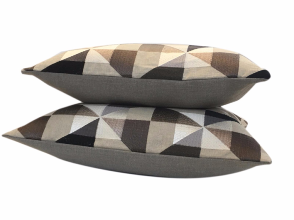 geometry-cushion-canvas-UK