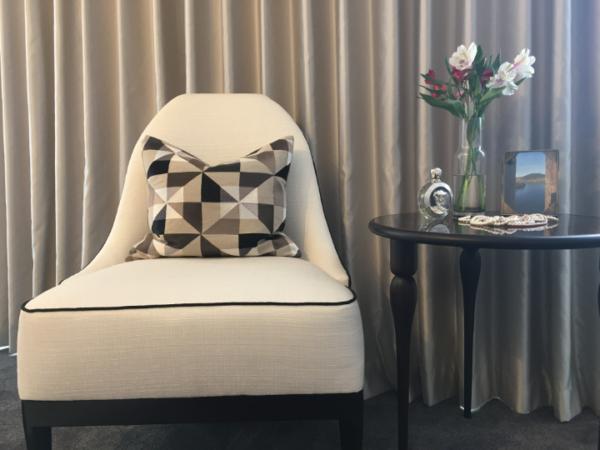 geometry-cushion-canvas-chair