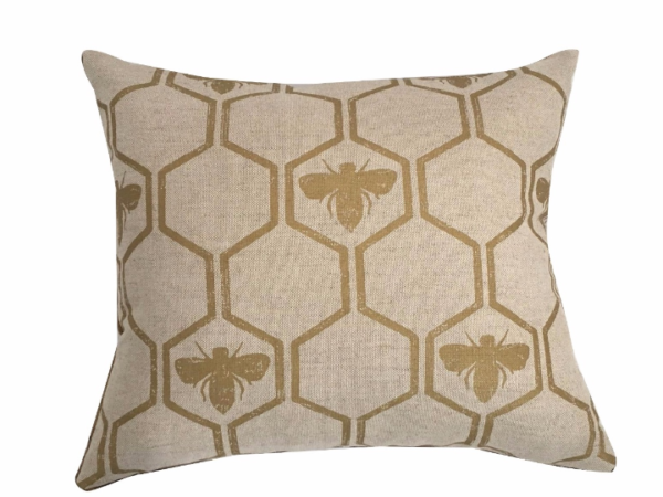 gold-bee-cushion-canvas