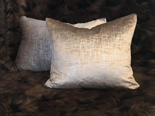 gold-rain-cushion