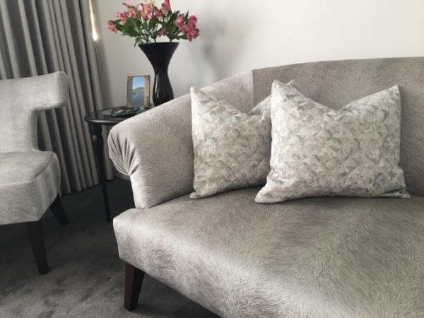 lizzo-cushion-canvas