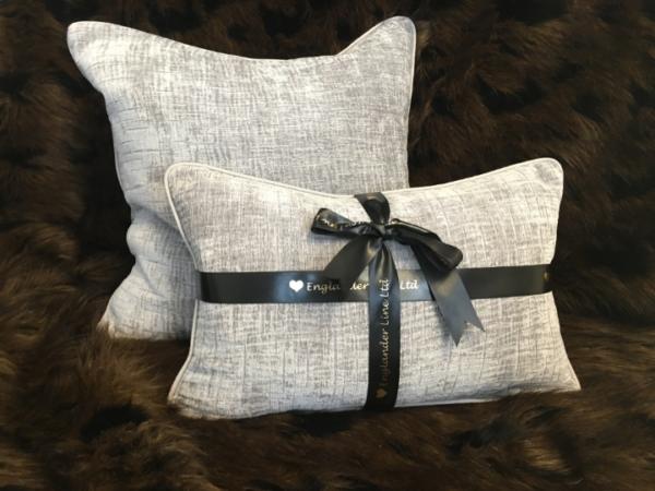 lush-cushion-canvas-details