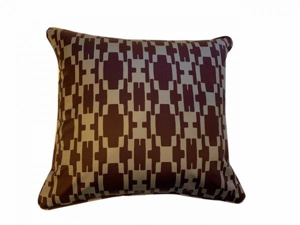 mady-cushion