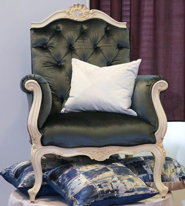 rococo-style-armchair-cushion