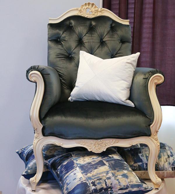 rococo-style-armchair-fabric-cushion