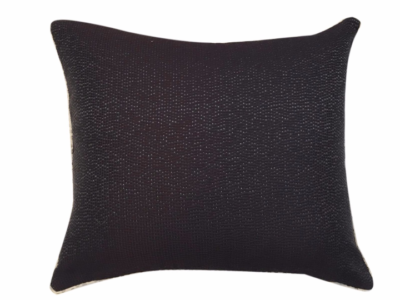velvet-dot-cushion