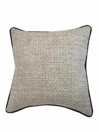 wave-cushion-canvas