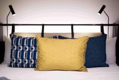 Arrange Cushions
